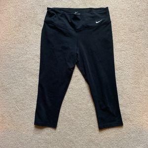 Nike workout knee length legging/tights
